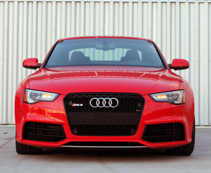 2013 audi rs 5 coupe front view alain gayot photos gallery. Black Bedroom Furniture Sets. Home Design Ideas