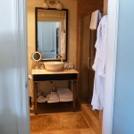 Deluxe Guest Room Bathroom