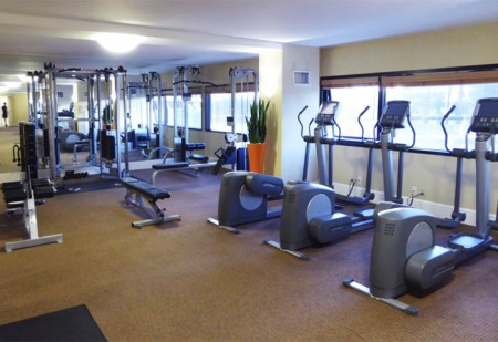 Stay in shape during your stay with Hotel Irvine's contemporary fitness center