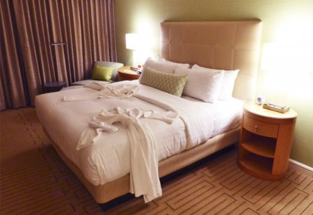 All Hotel Irvine guest rooms come with free Wi-Fi, upscale bedding and 42-inch flat-screen TVs