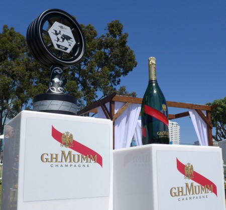 champagne G.H. Mumm has a new bottle